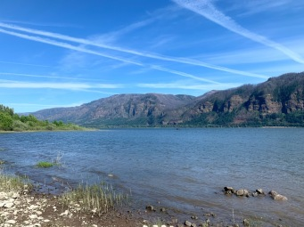 The Columbia River, near the River-To-Rock Trail