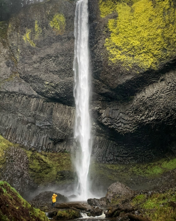 224 foot waterfall in Oregon